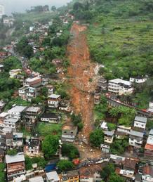 Las lluvias provocan corrimientos de tierra en Río de Janeiro