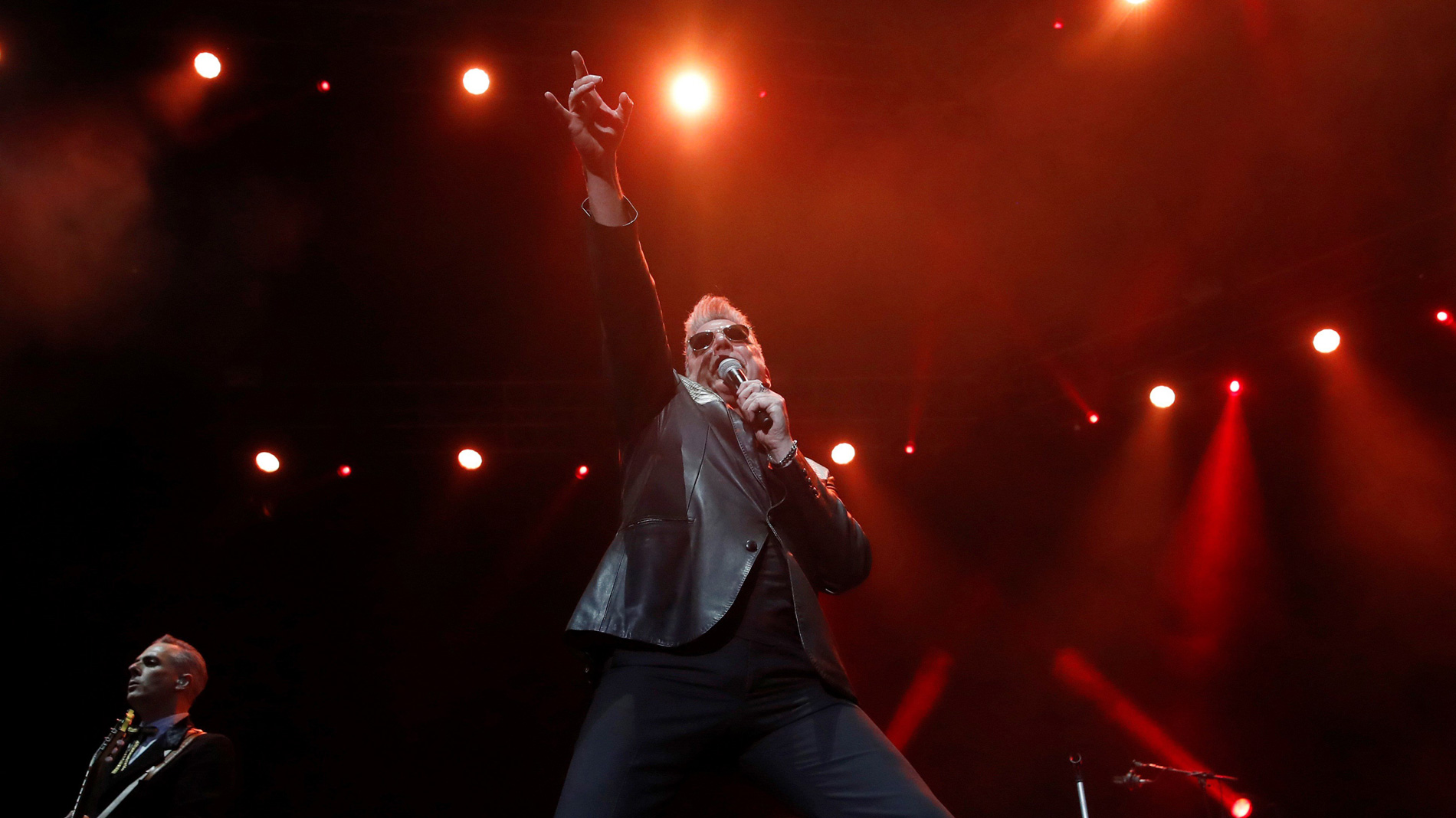 Loquillo cerró anoche en Madrid su gira Salud y rock & roll