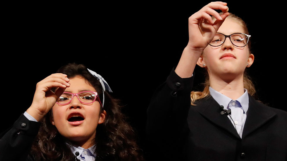 Lorena Stefan y Nicol Valenzuela cantan el Gordo por segundo año consecutivo