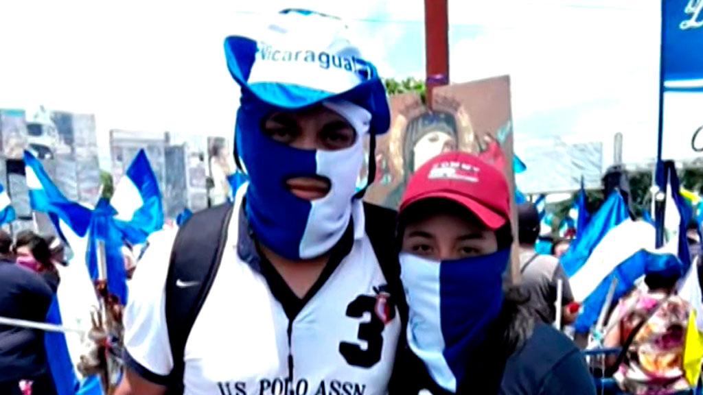 """La lucha de los opositores en Nicaragua: """"Cruzando la barricada, le dió un francotirador en el pecho"""""""