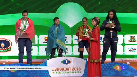 Lydia Valentín campeona en arrancada y total y bronce en dos tiempos