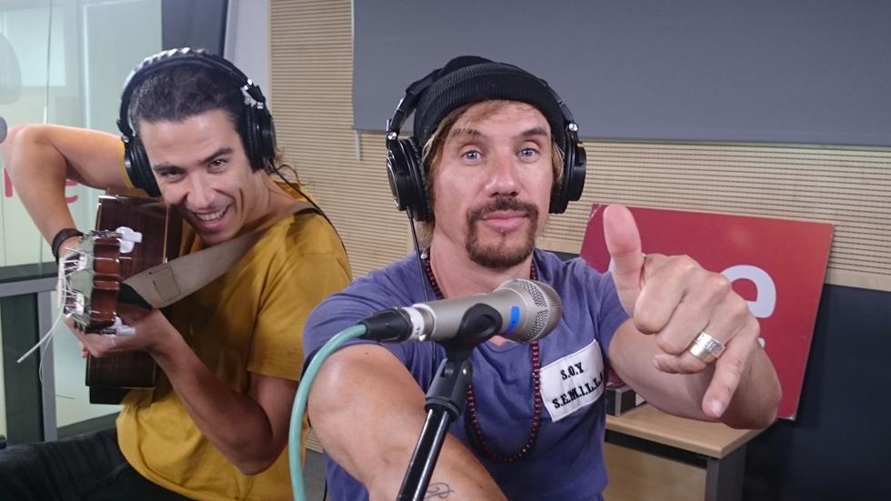 """Las mañanas de RNE - Macaco interpreta en directo """"Semillas"""""""