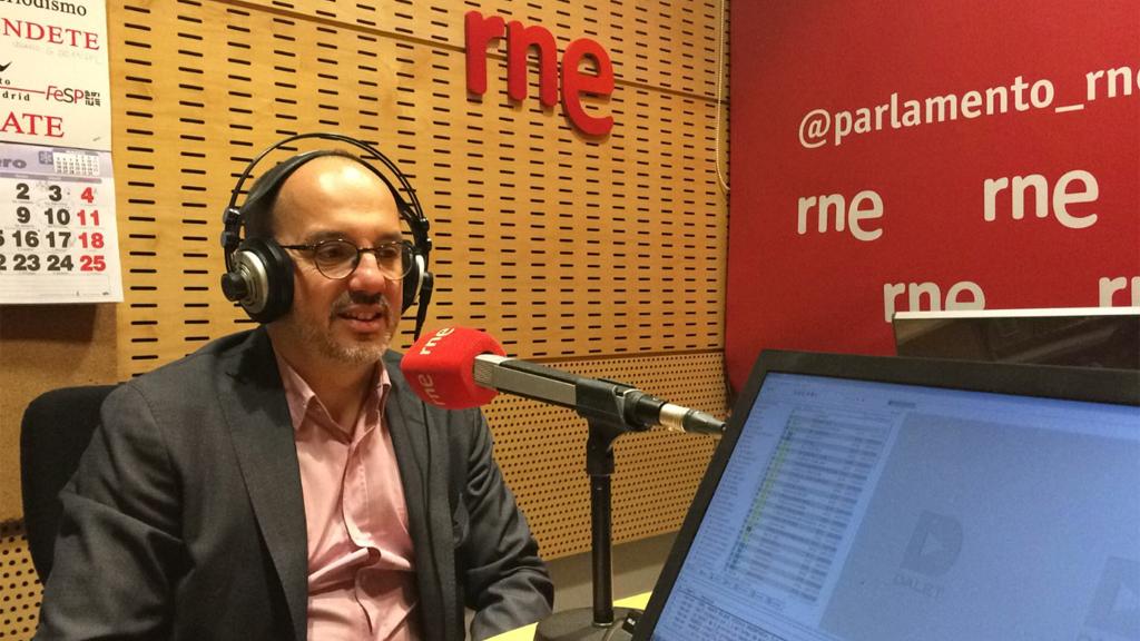 Campuzano dice que la política española está noqueada