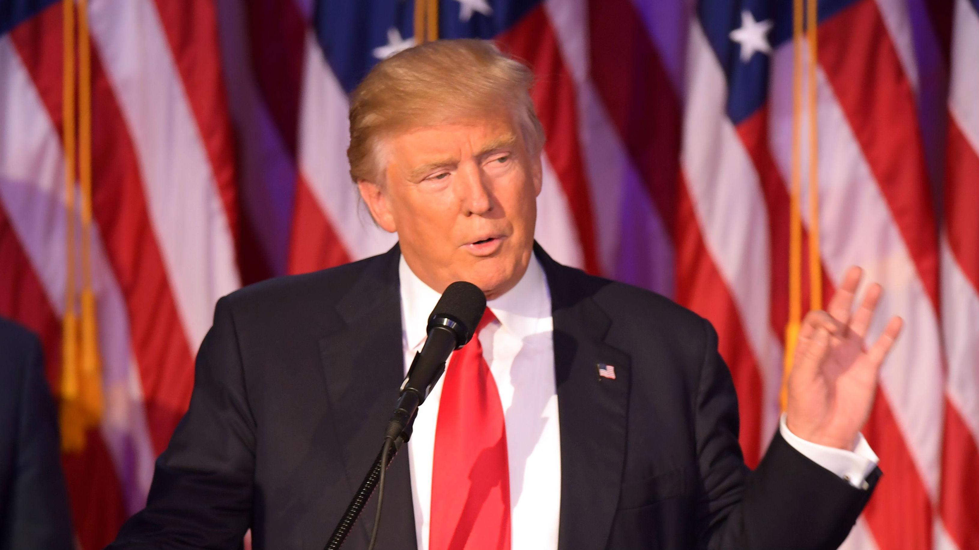 """Trump amenaza que si se le abre un juicio político para destituirle """"los mercados se hundirían"""""""