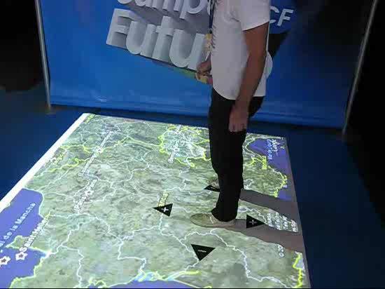 Maneja Google Earth con los pies
