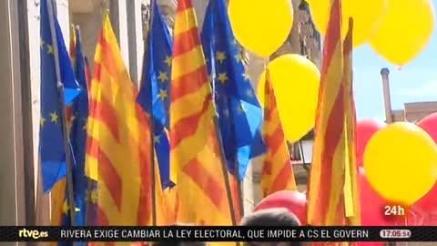 Una manifestación en Barcelona convocada por Societat Civil Catalana exige 'seny' y un nuevo Govern