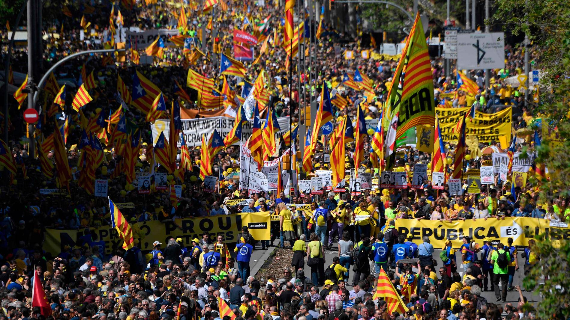 Manifestación en Barcelona para pedir la libertad de los líderes independentistas encarcelados