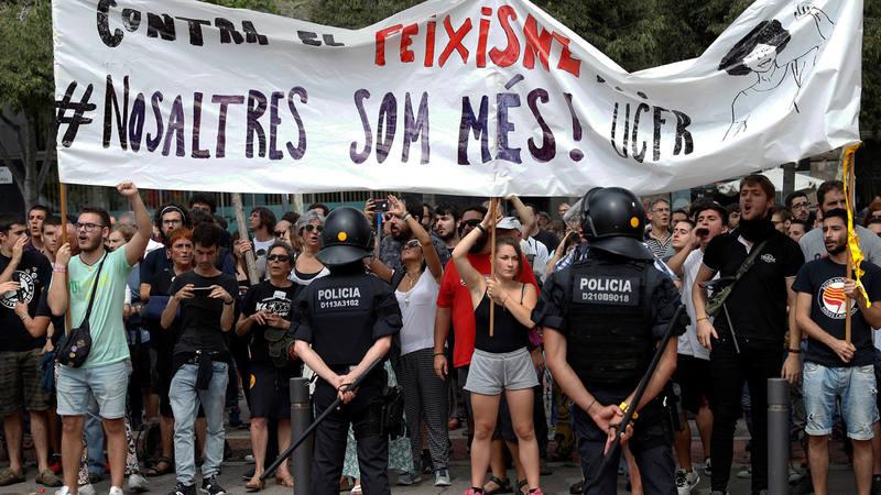 Manifestación contra el fascismo frente a la convocada por el empresario José Manuel Opazo en Barcelona en