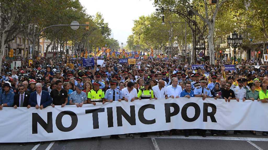 Especial informativo - Manifestación contra el terrorismo desde Barcelona
