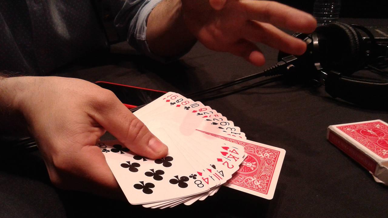 Las manos de Jorge Blass