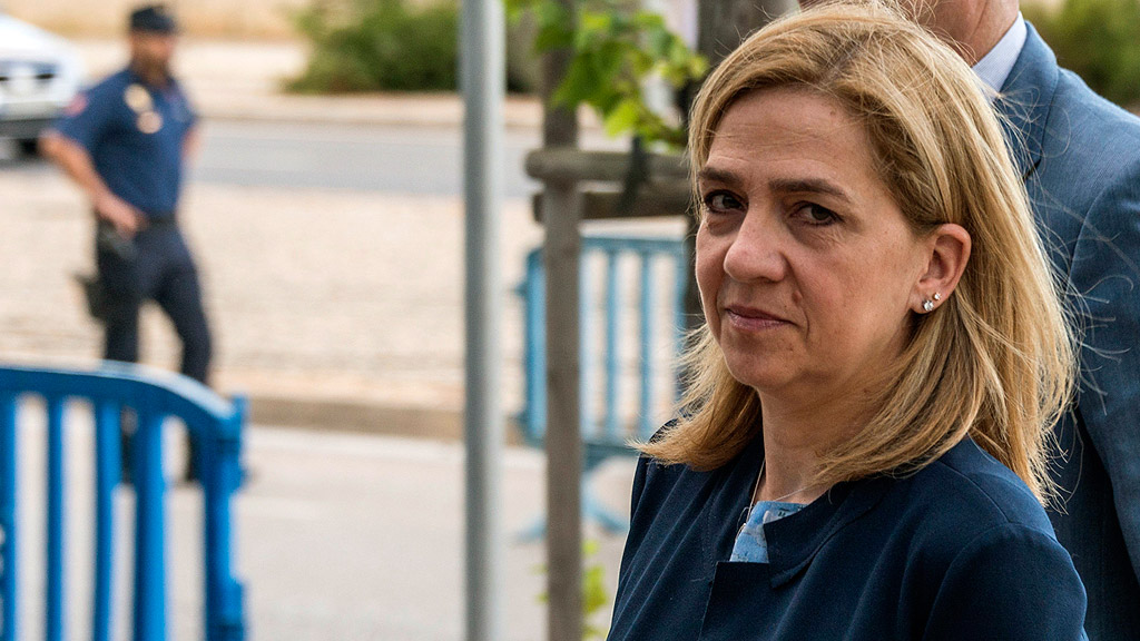 Manos Limpias sostiene que la infanta Cristina constituyó Aizóon con la intención de defraudar