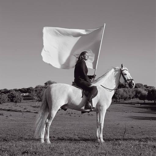 Marina Abramovic. 'El héroe II' (2008). Cortesía y Colección Arsfutura-Serge Le Borgne, París (Francia).