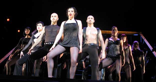 Marta Ribera -en el centro-, en el número musical 'All That Jazz'', en la presentación de 'Chicago'.
