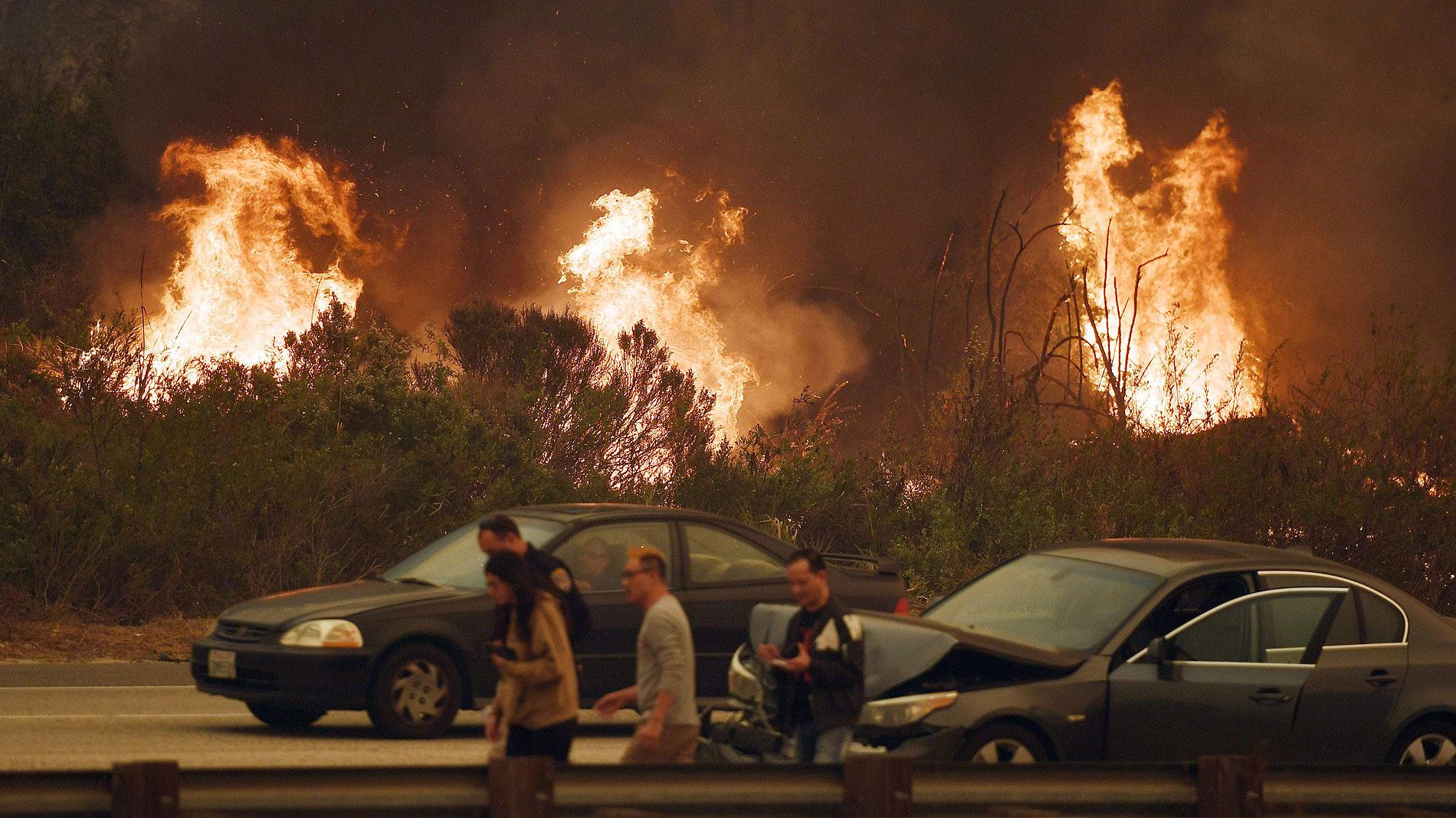 Más de 200.000 personas evacuadas en Los Ángeles por los incendios que arrasan California