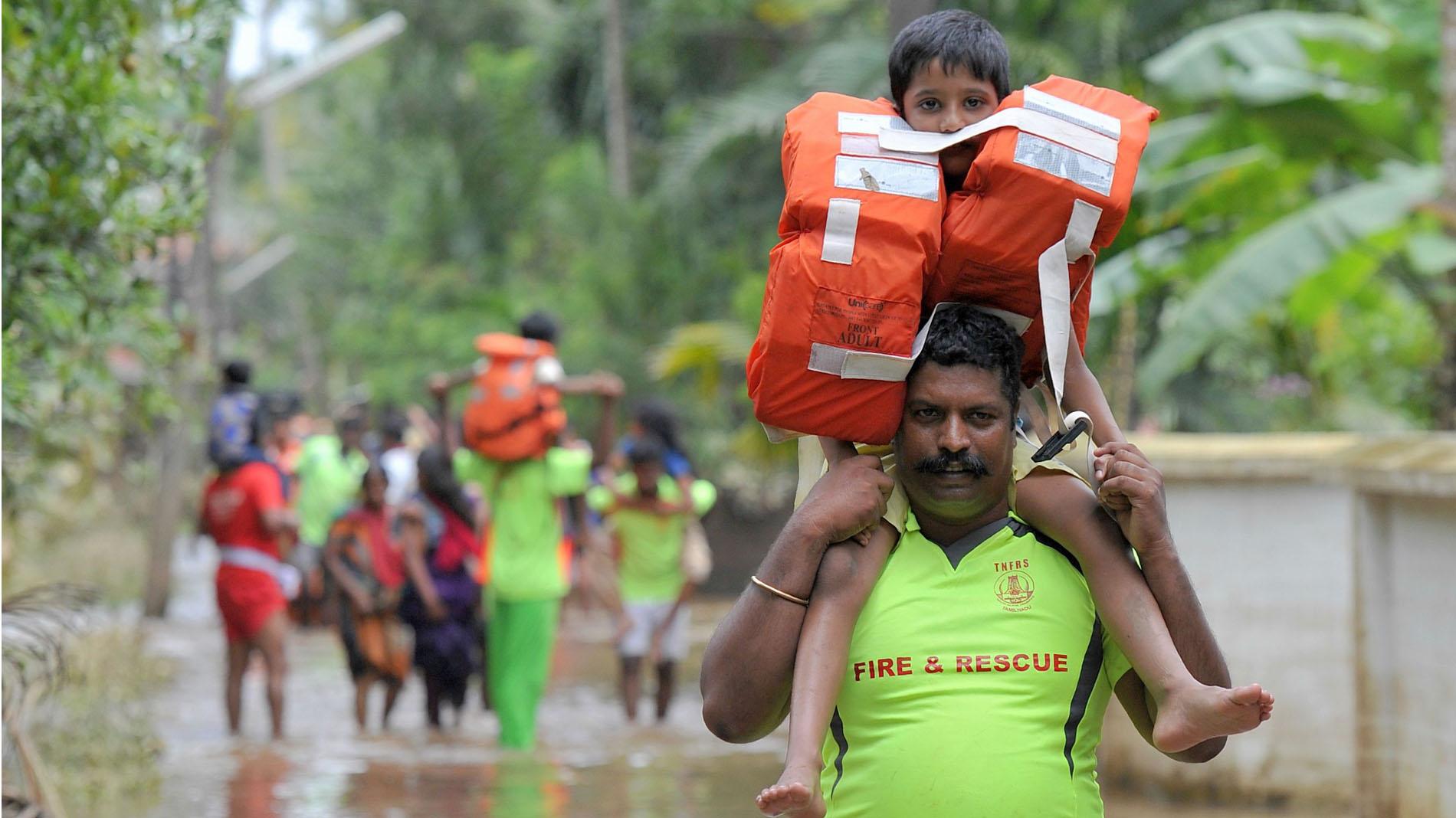 Las inundaciones en India dejan más de 400 muertos y un millón de desplazados