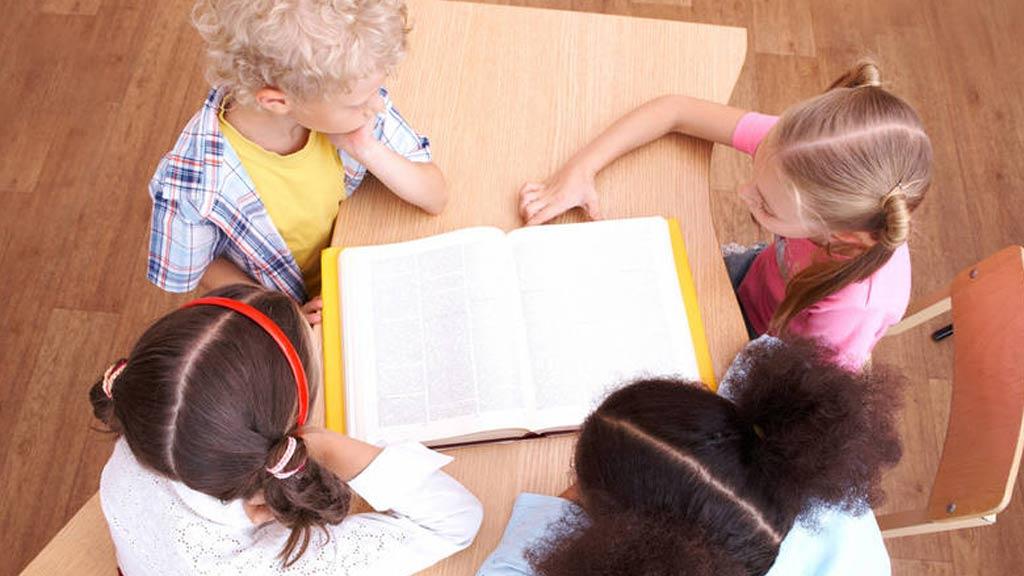 Más de ocho millones de alumnos comienzan el curso escolar a partir de este lunes
