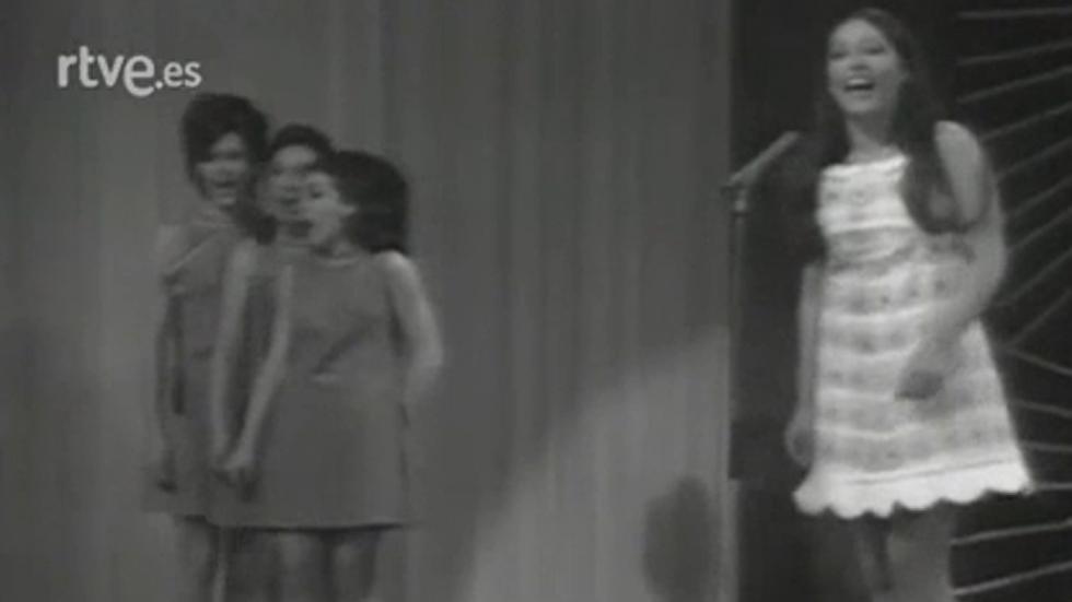 Massiel canta 'La, la, la' en Eurovisión 1968