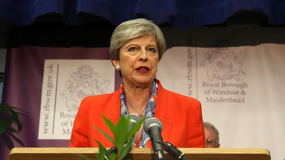 """May afirma que le corresponde a los """"tories"""" aportar la estabilidad necesaria"""