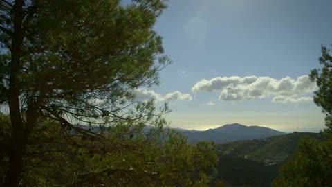 Los mejores momentos de 'el paisano' en el pueblo malagueño de Canillas