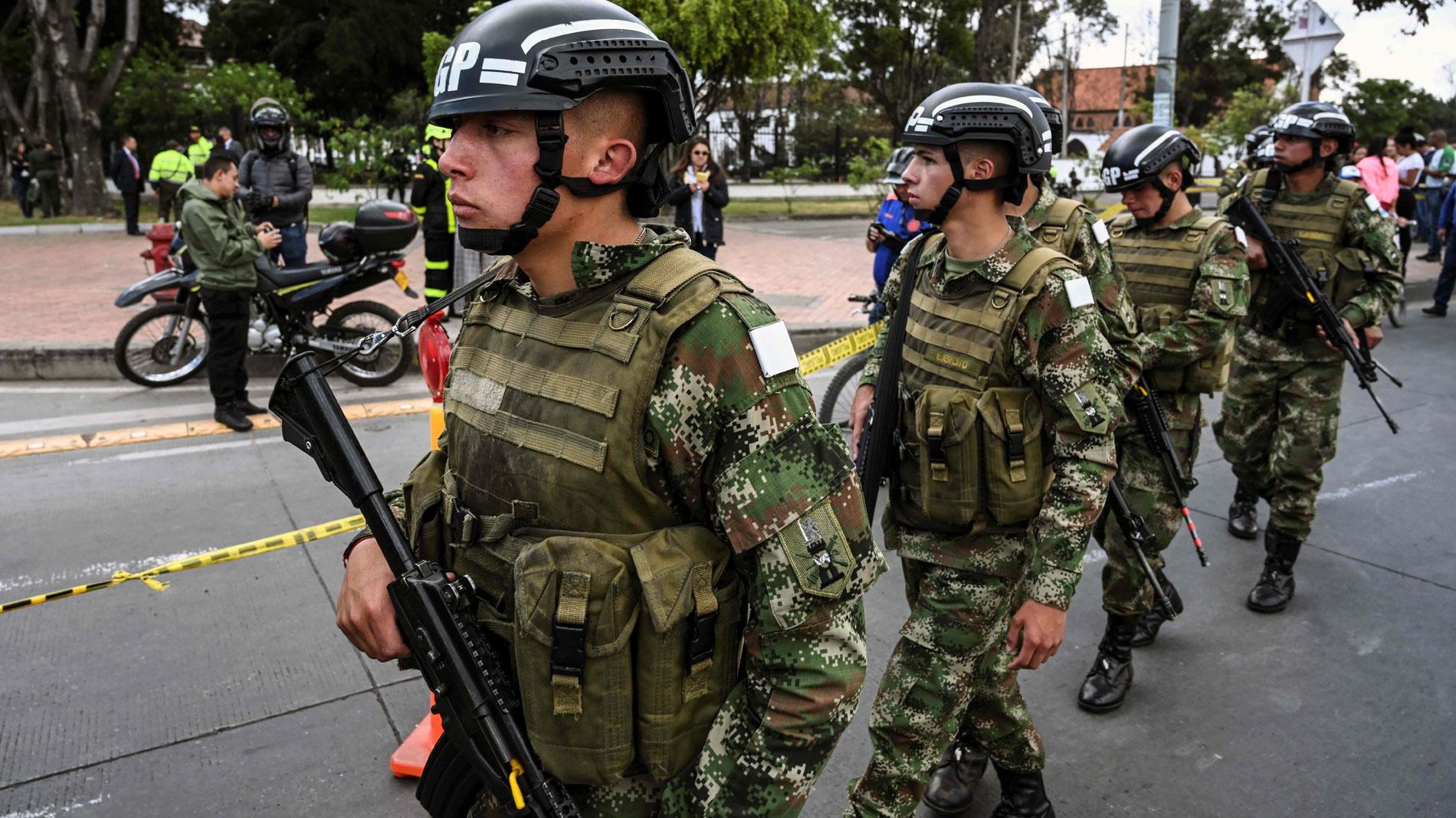Al menos 10 muertos por la explosión de un coche bomba en la Escuela de Policía de Bogotá