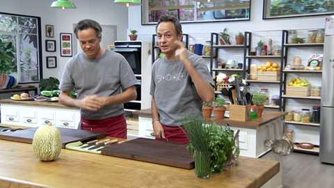 Torres en la cocina - Merluza con verduras y strudel de cabello de ángel