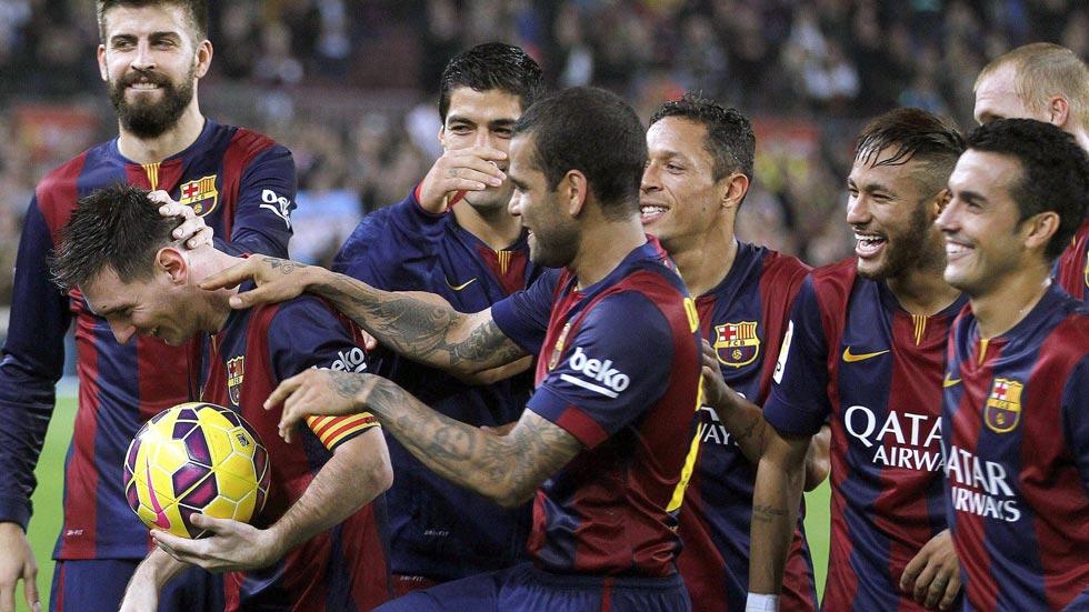 Messi habla en el césped para superar a Zarra