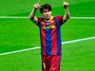 Messi sorprende a Van der Sar (2-1)