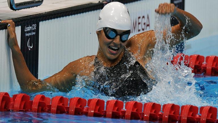 Michelle Alonso, oro en 100 metros braza