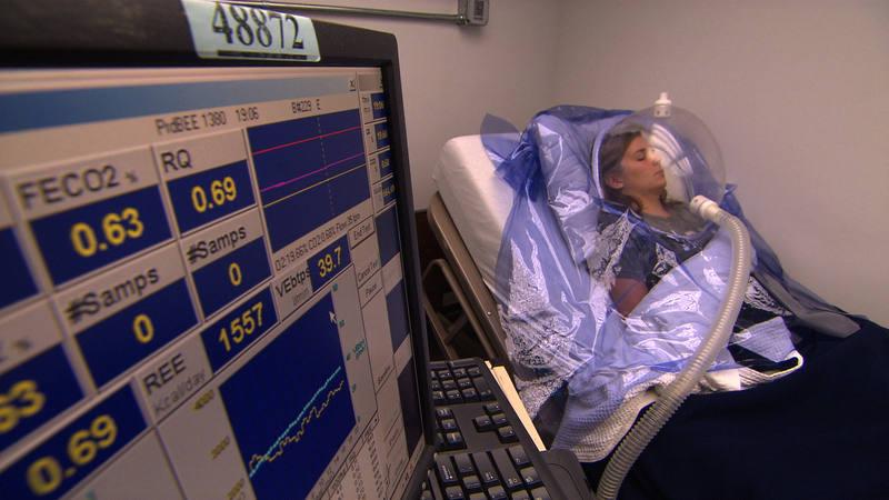 Midiendo los parámetros del sueño a una paciente