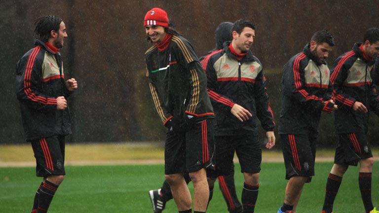 El Milan defiende su ventaja en el Emirates Stadium