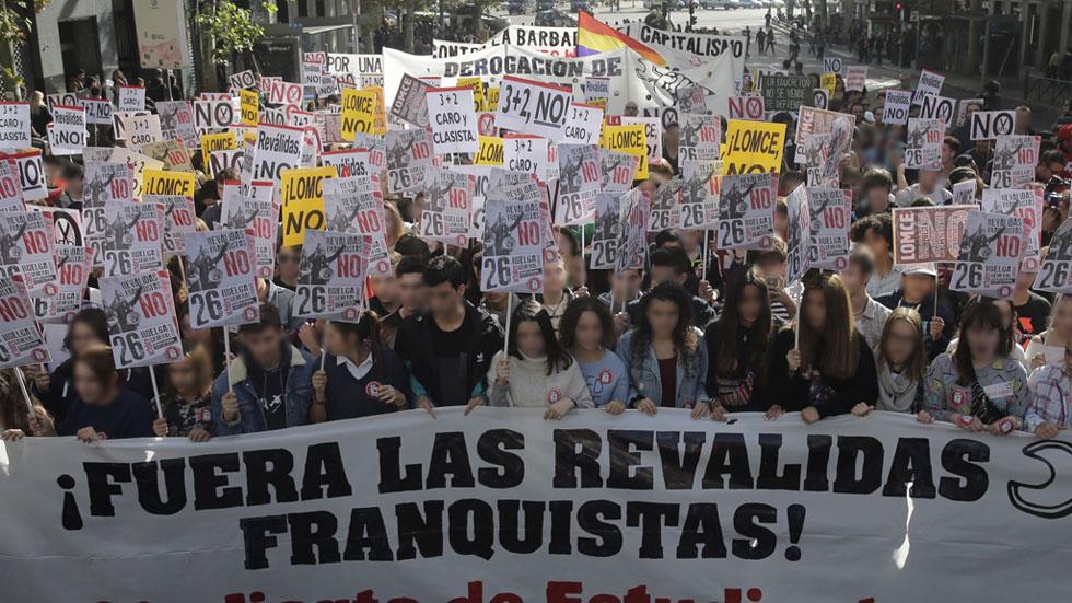 Miles de estudiantes se manifiestan contra las reválidas de la LOMCE