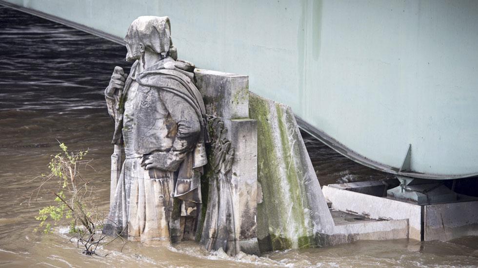 Miles de obras de arte sumergidas durante dos días por las inundaciones en Francia