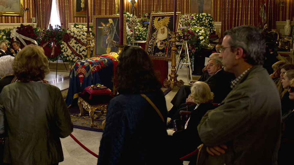 Miles de ciudadanos, personalidades de la política y el arte despiden a la duquesa de Alba