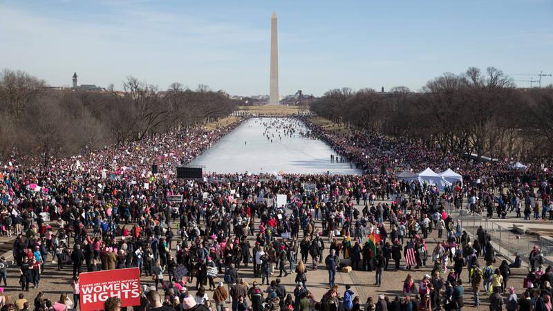 Miles de personas participan en la Marcha de las Mujeres en Washington