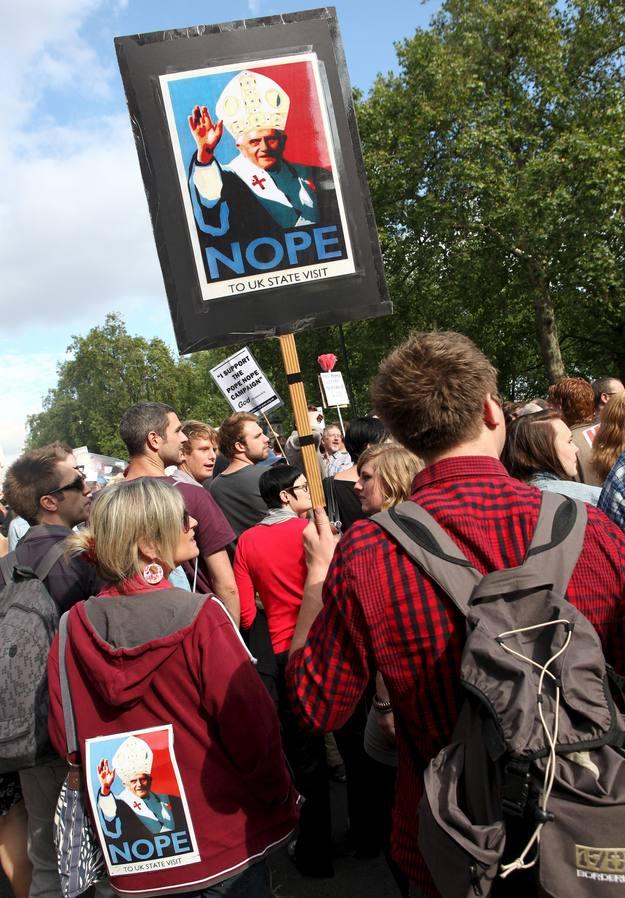 La visita provocó numerosas protestas en el Reino Unido.