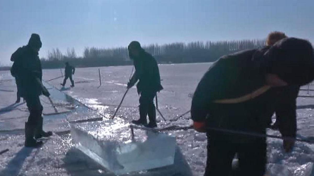 La minería de hielo, una larga tradición en el noreste de China