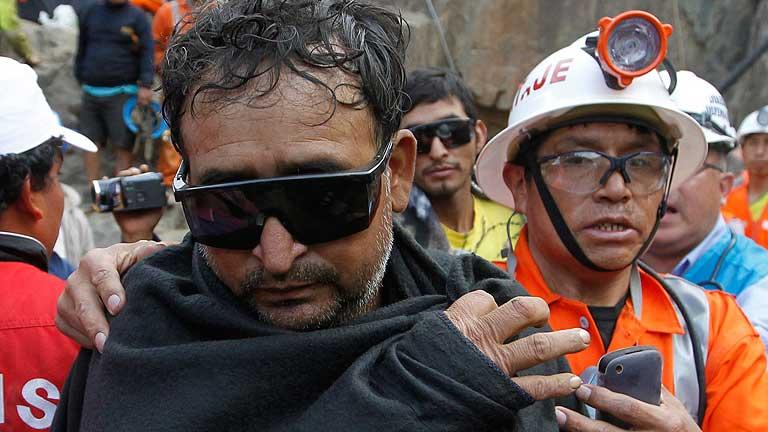 Los mineros rescatados en Perú se encuentran bajo observación médica y psicológica
