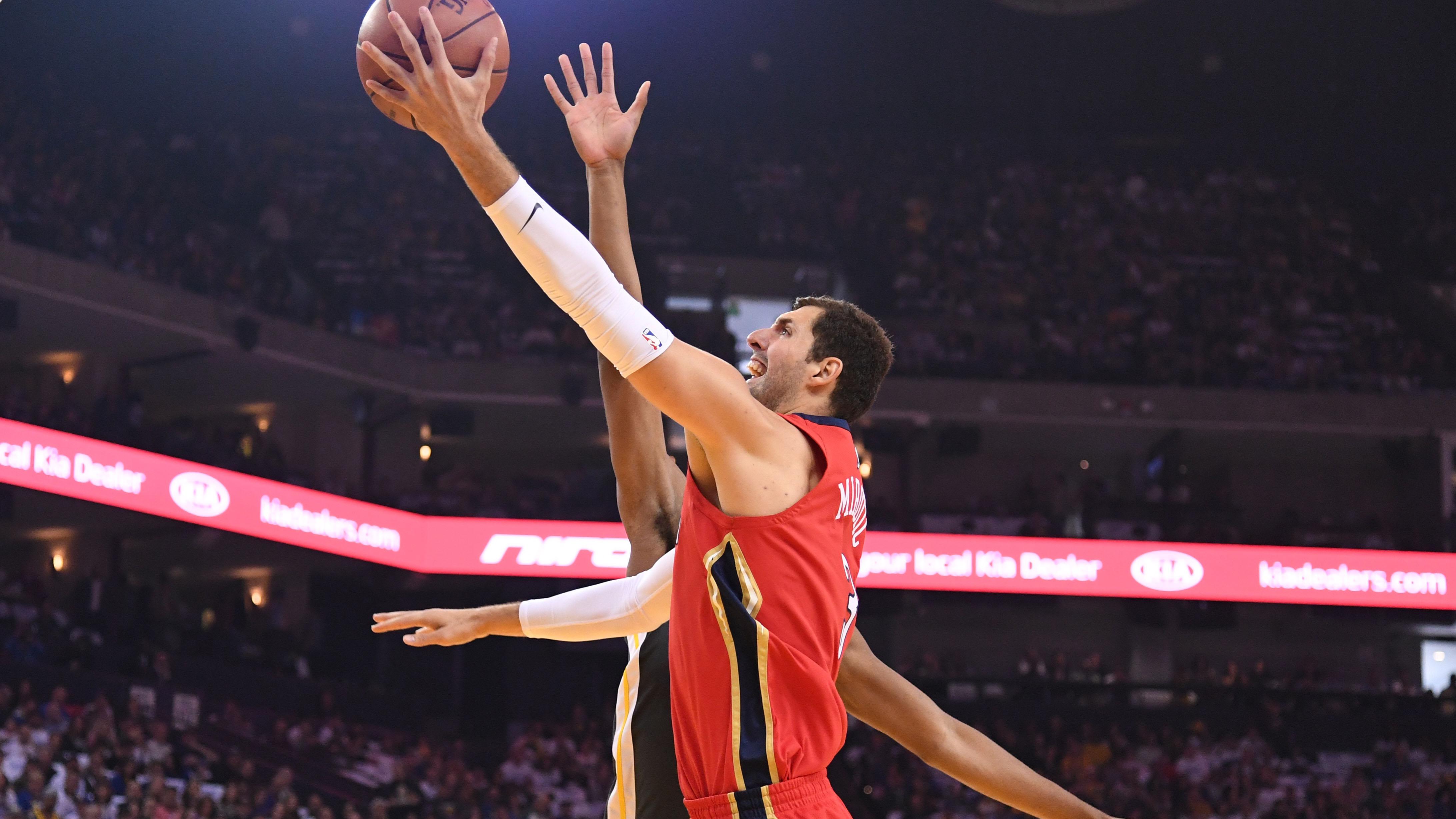 Mirotic lidera a los Pelicans y evita a los Warriors