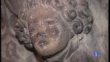 Mostres de l'antiga policromia al sepulcre de Ramon Llull