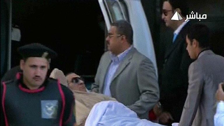 Mubarak espera su sentencia tras diez meses de juicio y tres décadas de poder