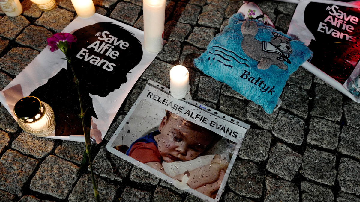 Muere Alfie Evans, el bebé británico en el centro de una batalla judicial