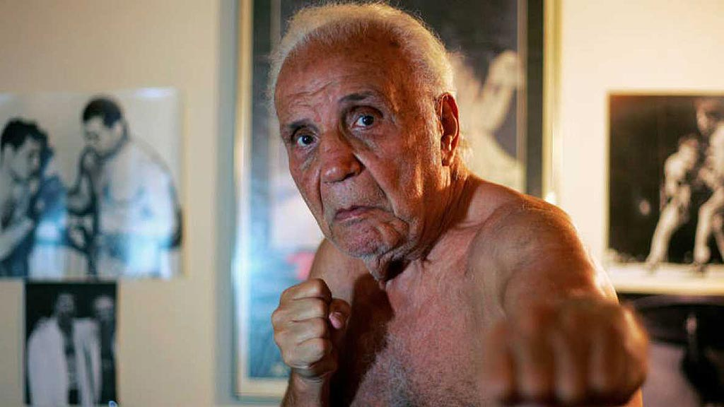 Muere Jake LaMotta, el boxeador que inspiró Scorsese en 'Toro Salvaje'