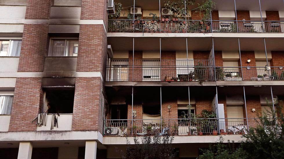 Mueren dos ancianas en el incendio de un bloque de pisos for Pisos vacacionales sevilla