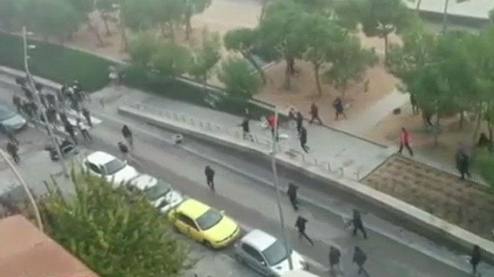 Muere un aficionado tras una pelea entre ultras del Atlético y el Deportivo