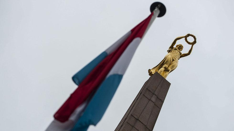 Bruselas estudia acabar con las lagunas fiscales que benefician a las multinacionales