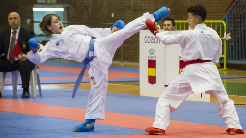 Nadia Gómez Morales en la competición de kumite