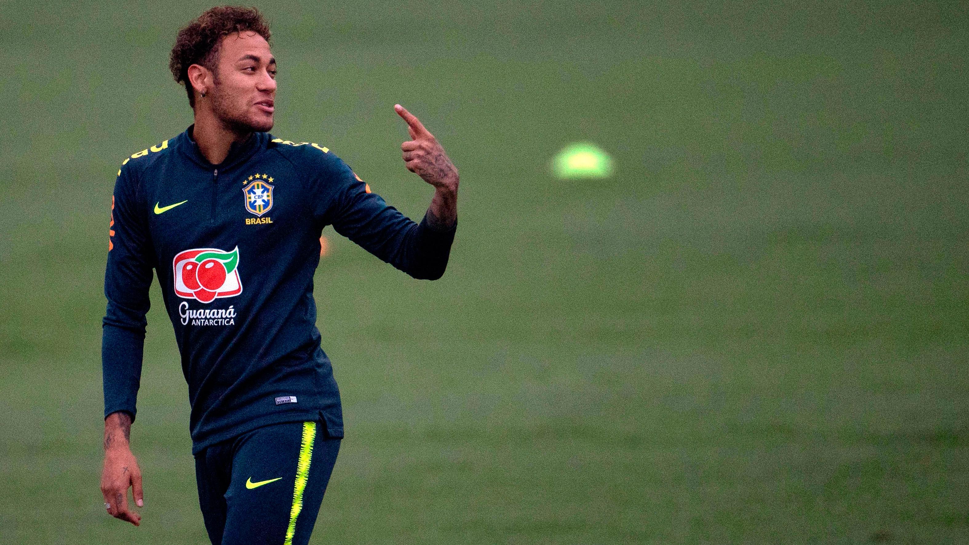 Neymar ya se entrena con Brasil y Argentina se pone nostálgica