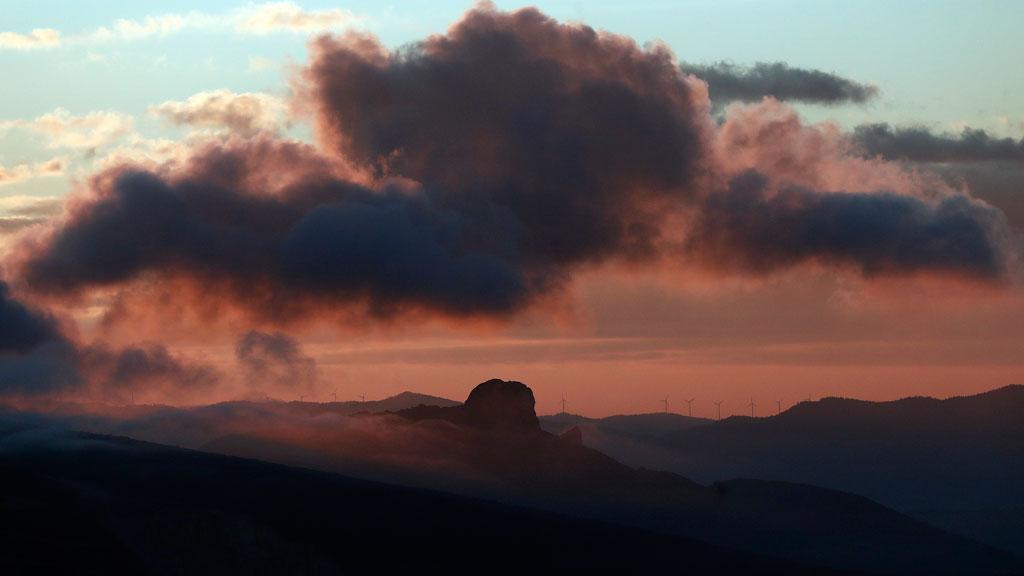 Nieblas persistentes en amplias zonas de la Meseta Norte y en el interior de Cataluña y Aragón