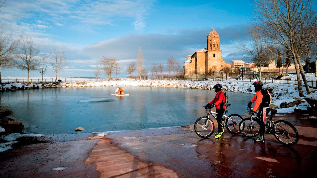 Nieve en Cantábrico y Pirineos y viento en Baleares y Gerona