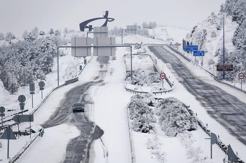 La nieve dificulta la circulación en algunas zonas